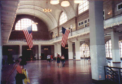 Inside the Great Hall.jpg (54473 bytes)
