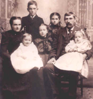 Richard & Carrie Merchant & Family.jpg (46319 bytes)